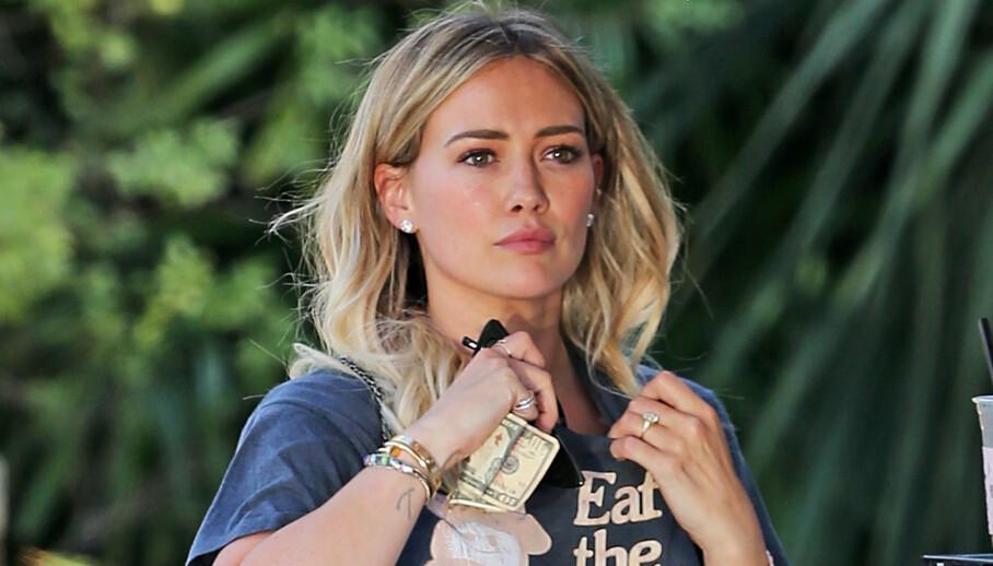 <strong>MORKAKE-SMOOTHIE:</strong> Hillary Duff erkjenner at hun stappet deler av morkaka si i blenderen. Foto: NTB