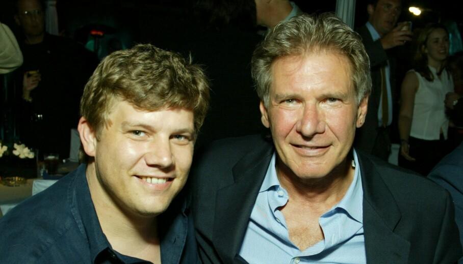 FAR OG SØNN: Ben Ford og skuespillerfaren Harrison Ford har gått totalt ulike karriereveier. Ben har unngått rampelyset, og arbeider som sjefskokk. Her er far og sønn på verdenspremieren av «K-19». Foto: Eric Charbonneau Berliner Studio/ BEImages/ NTB