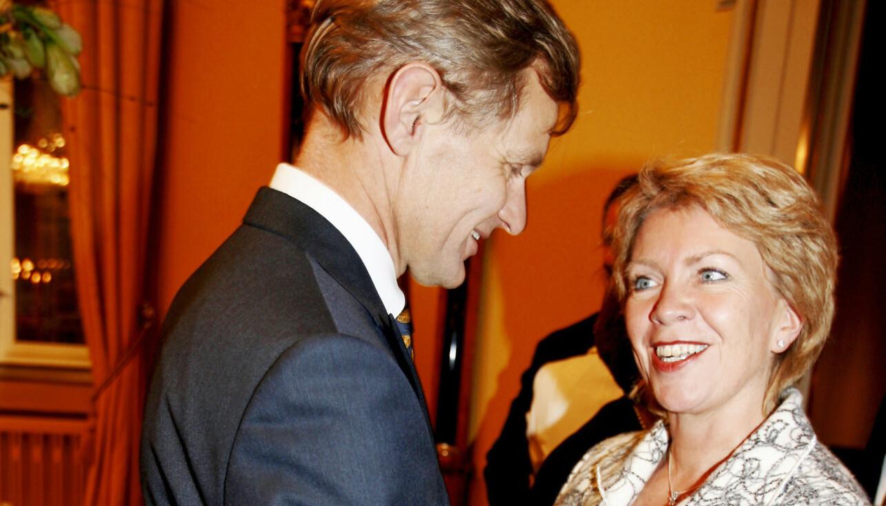 VENNSKAP BLE KJÆRLIGHET: Jan Egeland og Åslaug Haga har kjent hverandre i en årrekke, og nå har det fine vennskapet glidd over i kjærlighet. Her ser vi dem fra en tidligere anledning.