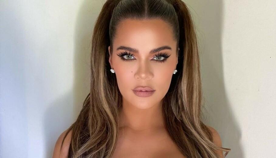 RASER: Khloé Kardashian har de siste månedene fått kritikk for måten hun redigerer bildene sine og sminker seg på. Det har hun sett seg lei. Foto: Khloé Kardashian / Instagram