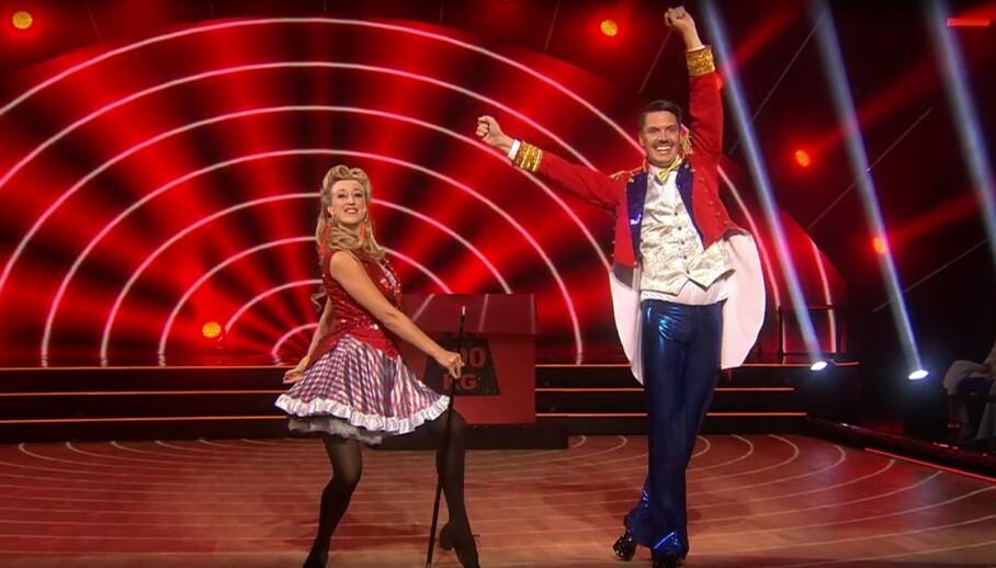 <strong>GIKK GALT:</strong> Andreas Wahl måtte danse tomhendt på slutten av nummeret. Foto: TV 2