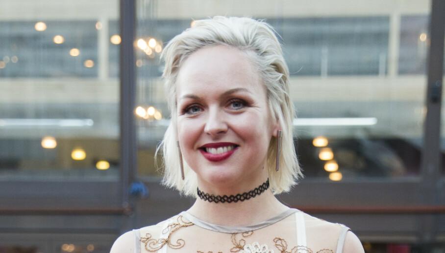 FORLOVET: Surferosa-vokalisten Mariann Thomassen avslører at hun er forlovet. Foto: Berit Roald / NTB