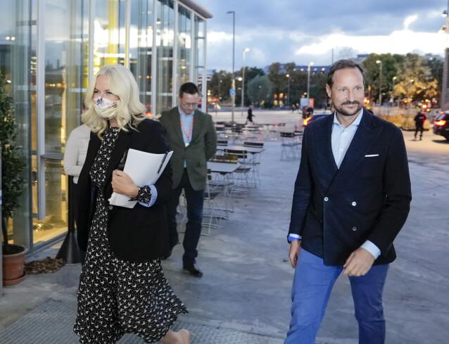 <strong>VAR MED:</strong> Kronprins Haakon var med kona på kveldens forfattersamtale. Foto: Fredrik Hagen / NTB