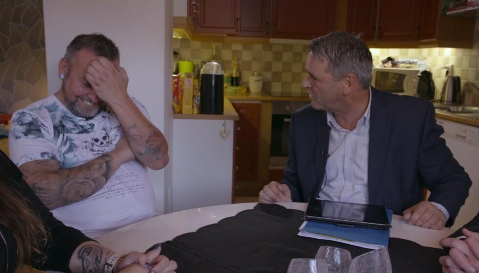 POSITIVT OVERRASKET: Da Kjell Roar fikk vite at gjelda hans var på over 300 000, ble han svært positiv overrasket. Foto: TV3