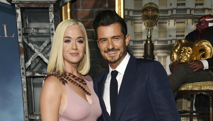 LYKKELIGE: Katy Perry og Orlando Bloom fikk nylig en datter sammen. Her er de avbildet under en premiere i Los Angeles i fjor sommer. Foto: Chris Pizzello/Invision/AP/NTB