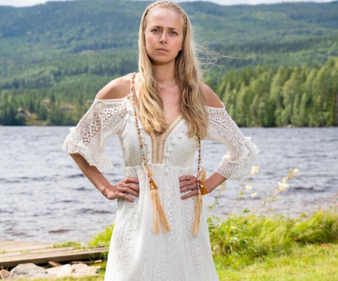 PÅ «RETREAT»: Tove Moss Lohne fant på en spesiell skrønehistorie. Foto: Alex Iversen / TV 2