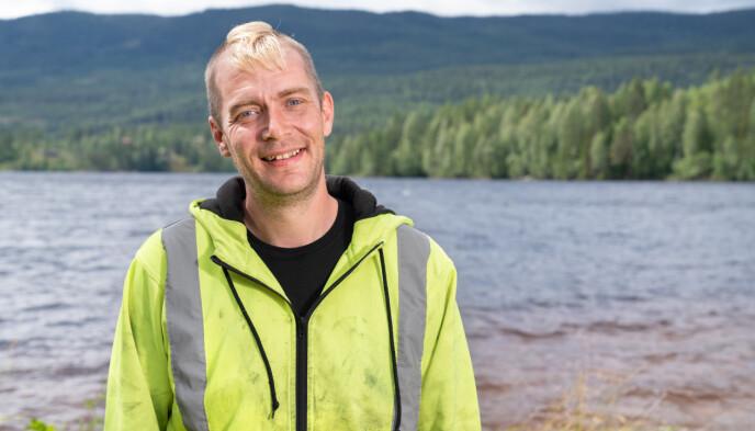 SLAPP Å LYVE: Raymond Røskeland er ofte borte i hverdagen, dropper derfor å finne på noen historie. Foto: Alex Iversen / TV 2