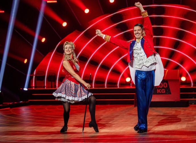 GIKK GALT: Andreas Wahl måtte danse tomhendt på slutten av nummeret forrige lørdag. Foto: Thomas Andersen / TV 2