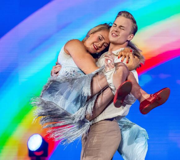 <strong>TOK TIL TÅRENE:</strong> Trine Dehli Cleve tok til tårene etter å ha sett dansen til Birgit og Philip. Foto: Thomas Andersen / TV 2