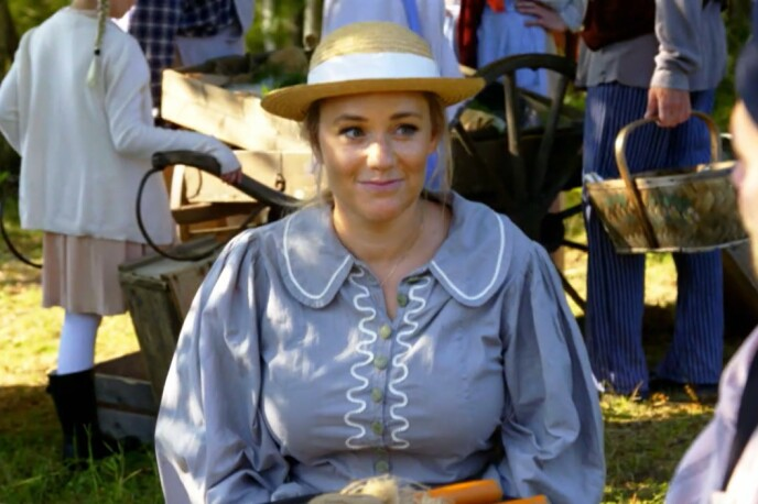 <strong>FIN FRUE:</strong> Ida Fladen ser tilfreds ut under det korte «Farmen»-oppholdet. Foto: Skjermdump/ TV 2