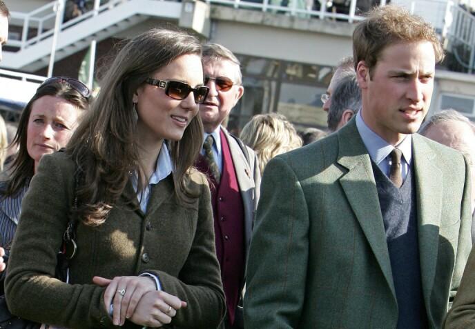 DEN GANG DA: Her er William og Kate i mars 2007 - en knapp måned før prinsen skal ha dumpet sin kjæreste. Foto: Carl De Souza / AFP / NTB