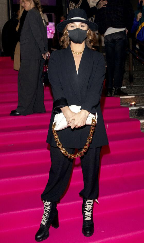 EMILIE STORDALEN: Hotellkongens datter stilte også på Costume Awards i helsort. Foto: Andreas Fadum/ Se og Hør