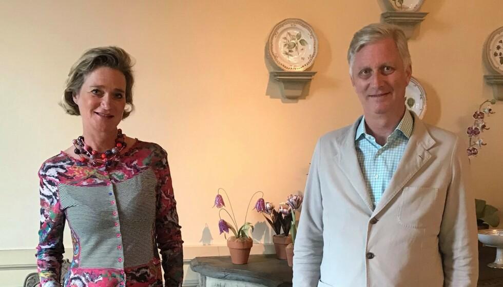 BROR OG SØSTER: Det ble et varmt møte mellom Belgias kong Philippe og hans «ferske» søster Delphine Boël sist fredag. Foto: AFP / Det belgiske kongehuset / NTB
