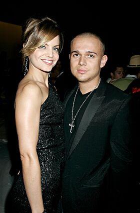 EKTEMANN NUMMER TO: Mena Suvari var gift i to år med Simone Sestito. Her er de avbildet i 2009. Foto: AP/ NTB