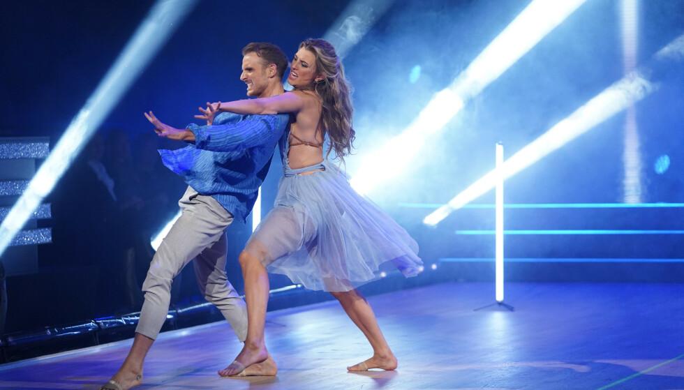 <strong>FØRSTEMANN UT:</strong> Marte Bratberg og dansepartneren Benjamin var første par på parketten lørdag kveld. Foto: Espen Solli / TV 2
