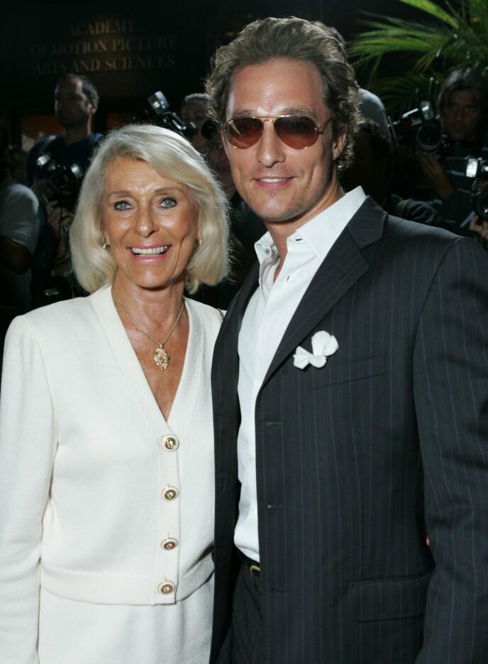 Matthew McConaughey - Matthew McConaughey arriving at LAX
