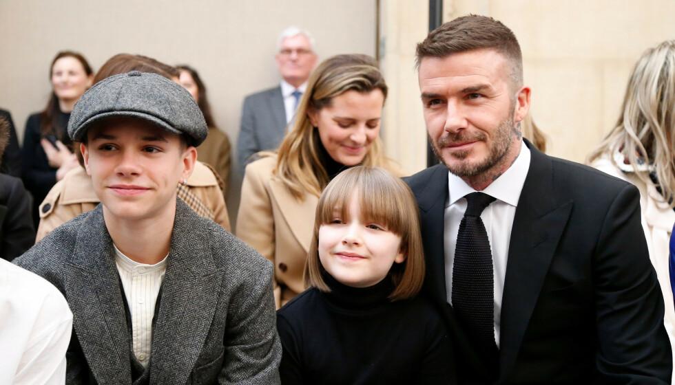 KJENT FAMILIE: Her er David Beckham med sønnen Romeo og datteren Harper Seven i 2019. Et nytt bilde av far og datter vekker nå reaksjoner i sosiale medier. Foto: NTB