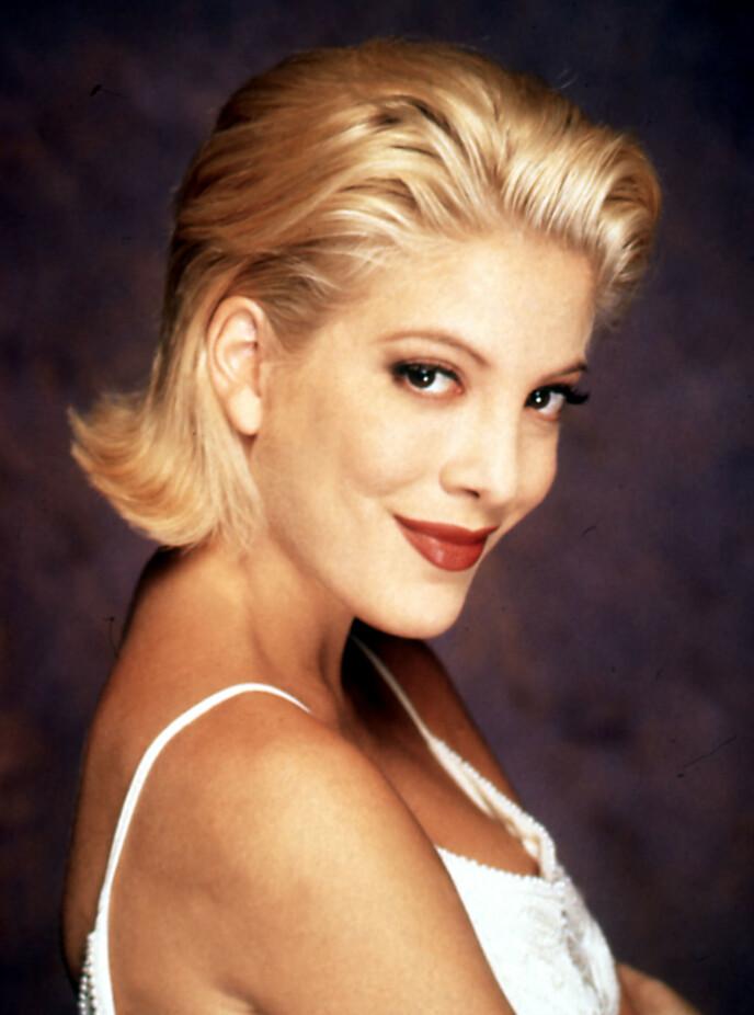 DEN GANG DA: Her er Tori Spelling i 1995. Foto: Shutterstock / NTB