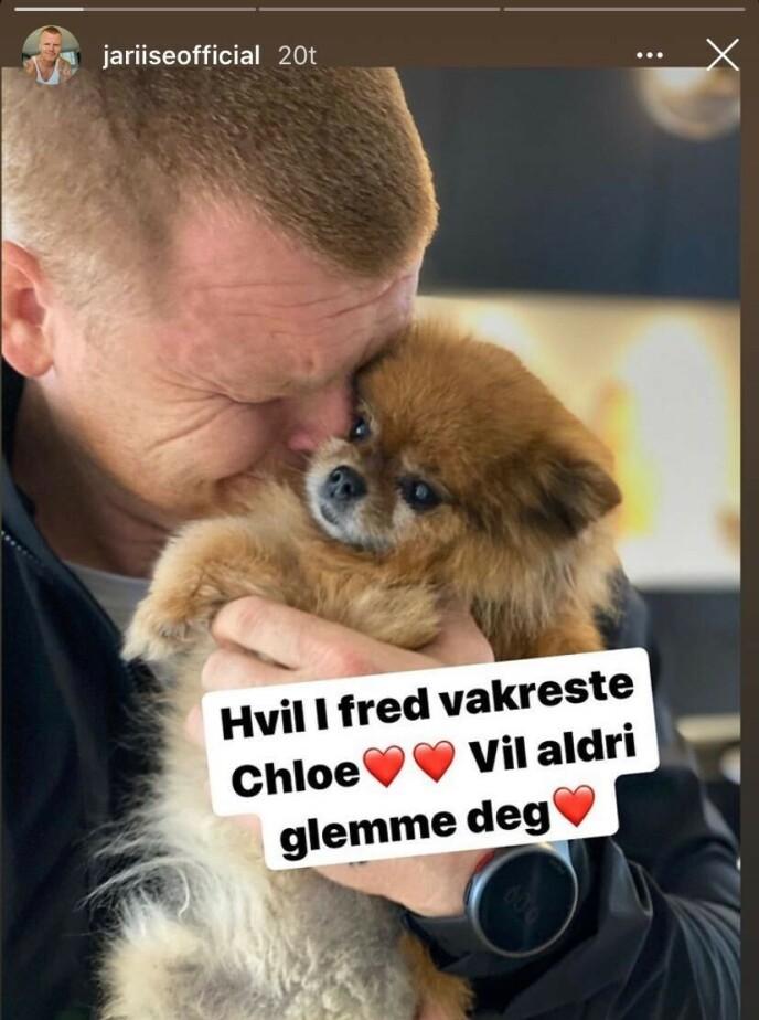 TRIST NYHET: John Arne Riise skriver at han aldri kommer til å glemme hunden Chloe. Foto: Skjermdump fra Instagram