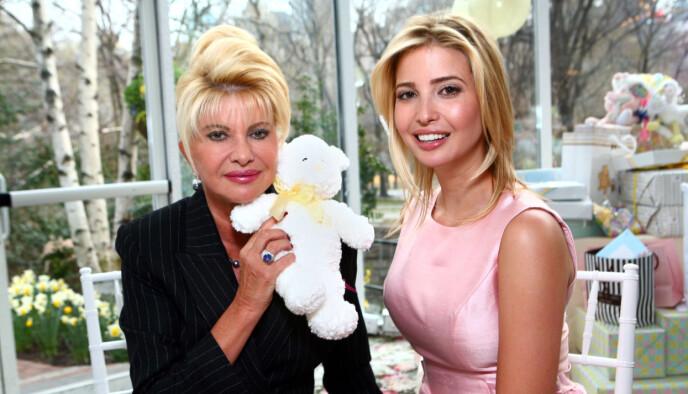 KJENDISDATTER: Ivanka er datter av Ivana og Donald Trump. Foreldrene skilte lag da hun bare var ti år gammel. Her sammen med mora i 2007. Foto: Sara Jaye Weiss/REX, NTB