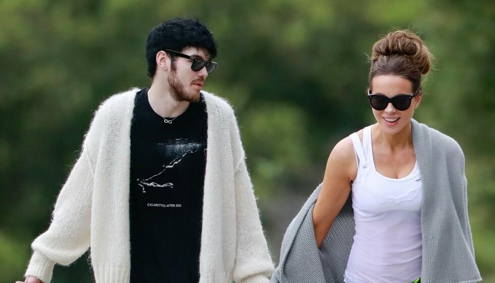 HET FLØRT: I april ble Kate Beckinsale koblet til den 24 år yngre artisten Goody Grace. Nå skal det være slutt. Foto: Backgrid / NTB