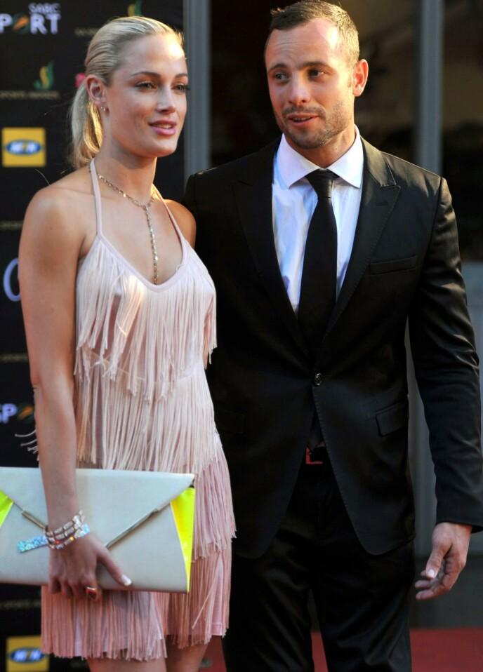 VAR ET PAR: Oscar Pistorius og Reeva Steenkamp sammen på The Feather Awards i Johannesburg høsten 2012. Foto: Gallo Images/ REX/ NTB