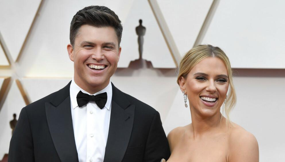 NYGIFTE: Colin Jost og Scarlett Johansson ga hverandre sine ja i høst. Her avbildet under Oscar-utdelingen i Los Angeles i februar i fjor. Foto: ACE Pictures/ Shutterstock/ NTB