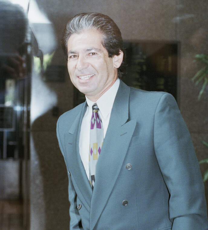 DØD: Robert Kardashian døde i 2003. Her i 1996 i forbindelse med rettssaken mot O.J. Simpson. Foto: AP Photo / Nick Ut / NTB