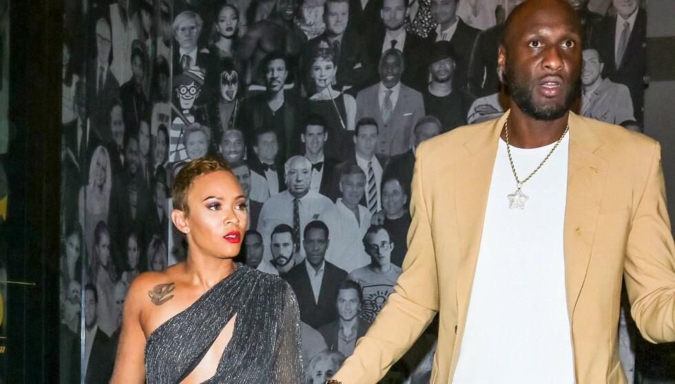 BRYLLUPET AVLYST: Sabrina Parr og Lamar Odom skulle egentlig gifte seg. Nå har de i stedet gått hver til sitt. Her er de avbildet sammen i Los Angeles i november i fjor. Foto: Shutterstock / NTB