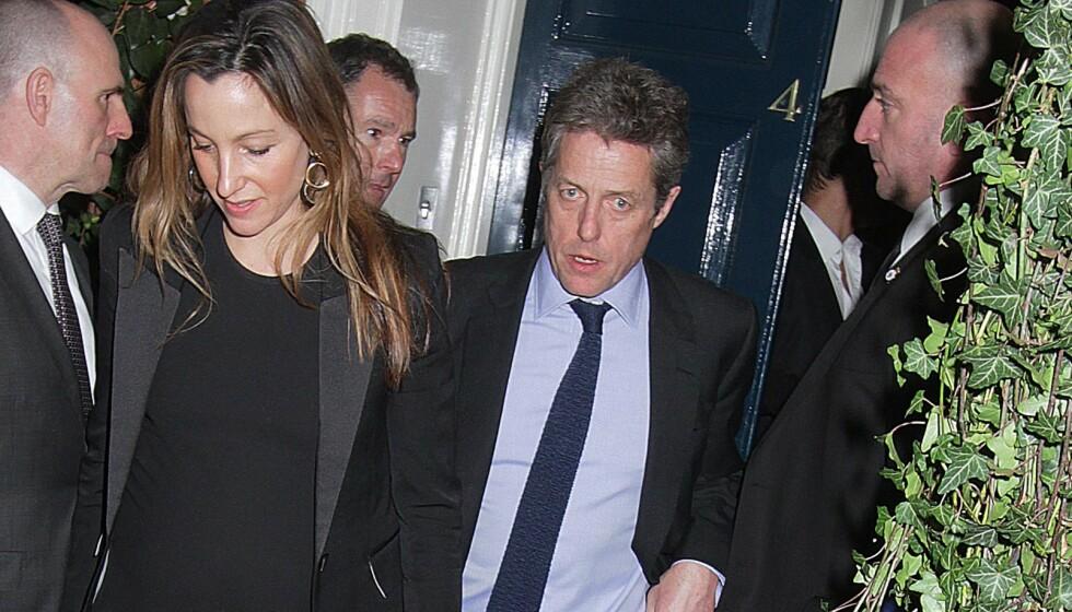 VAR SMITTET: Hollywood-paret Hugh Grant og Anna Elisabet Eberstein ble smittet av corona i februar. Nå forteller førstnevnte om hvordan han opplevde det. Foto: Blitz Pictures/ REX/ NTB