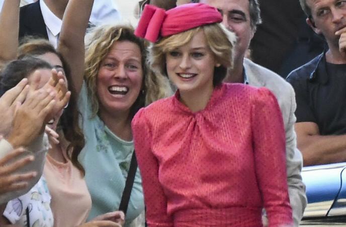 BERØMT PRINSESSE: 24 år gamle Emma Corrin spiller prinsesse Diana. Foto: Splash News / NTB