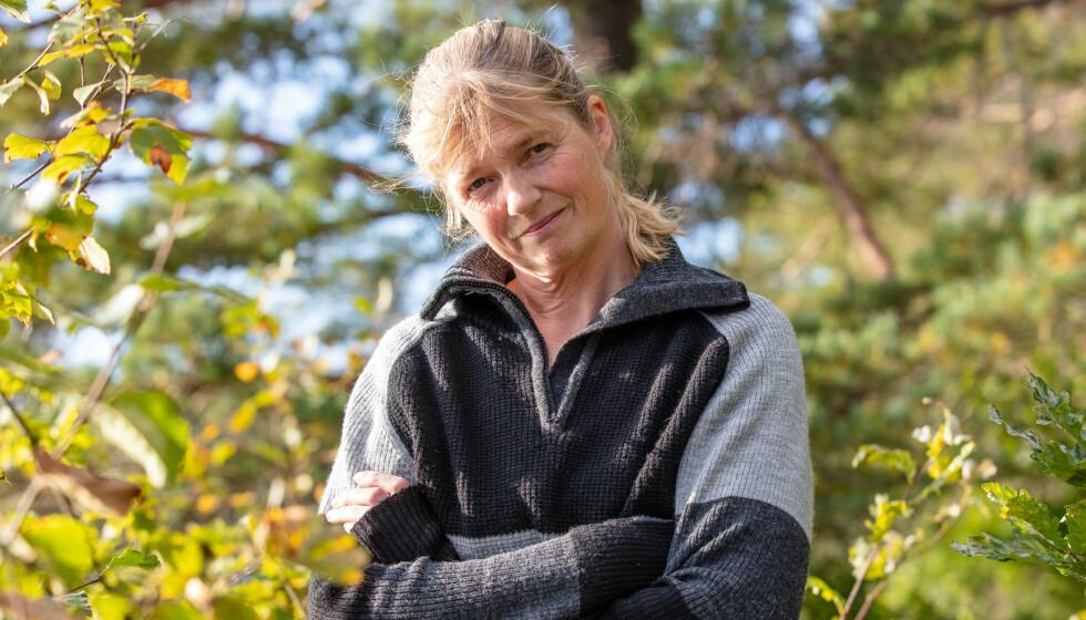 SYK: Agna Hollekve deltok på «Farmen» i fjor. Gårdsoppholdet ble preget av sykdom, og midt i innspillingen fikk hun påvist borreliose etter et flåttbitt - noe som gjorde at hun ble lam i halve fjeset. Foto: TV 2