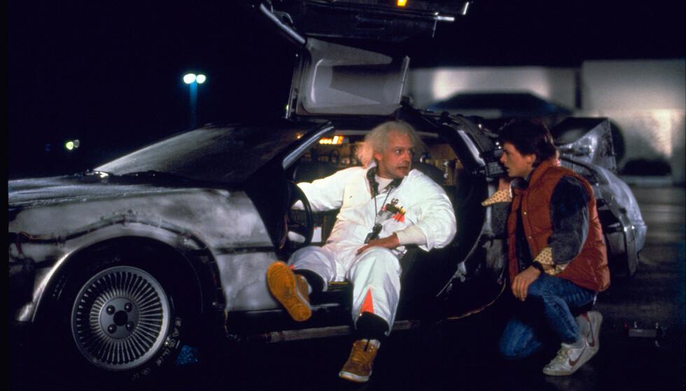 BLE SUPERSTJERNE: Den første «Tilbake til fremtiden»-filmen fra 1985 ble en umiddelbar suksess. Med Michael J. Fox i hovedrollen som Marty McFly, ble filmen vist på kinoer verden over. Diana av Wales var til stede da filmen hadde premiere i London. Foto: Universal Pictures Home Entertainment via AP, NTB