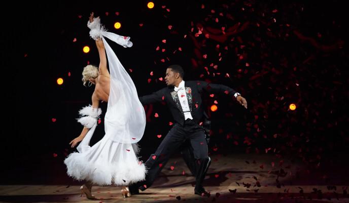 ROMANTISK: Helene og Nate i sin andre dans. Foto: Espen Solli / TV 2