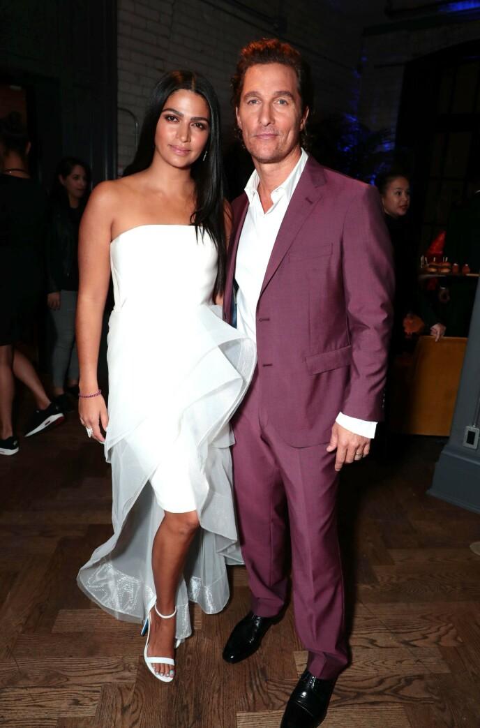 GODT GIFT: Til tross for at Matthew McConaughey ikke har imponert Kate Hudson med sine kysseferdigheter foran kamera, har han trolig imponert stort på hjemmebane. Foto: Eric Carbonneau / REX / NTB