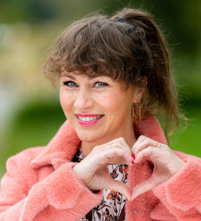 ENGASJERT: Gunhild Dahlberg innrømmer at det er vanskelig å legge bort egne følelser når hun er programleder. Foto: Espen Solli / TV 2