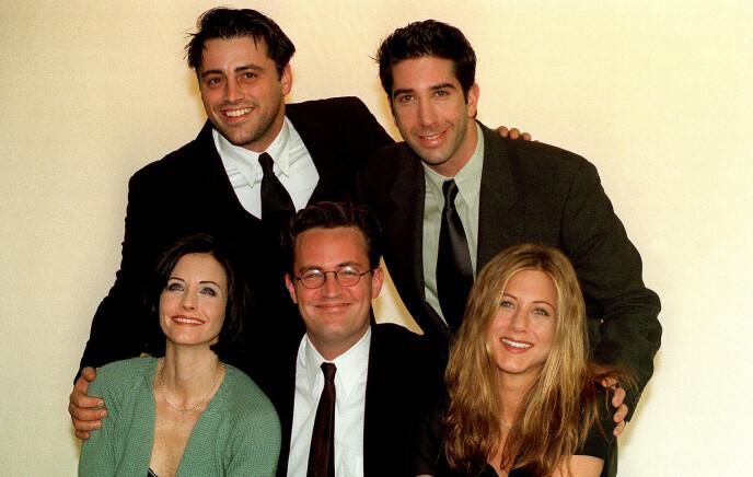 SAMLET: «Friends», eller «Venner for livet» som den heter på norsk, ble raskt en av de mest populære TV-seriene i hele verden. Foto: NTB