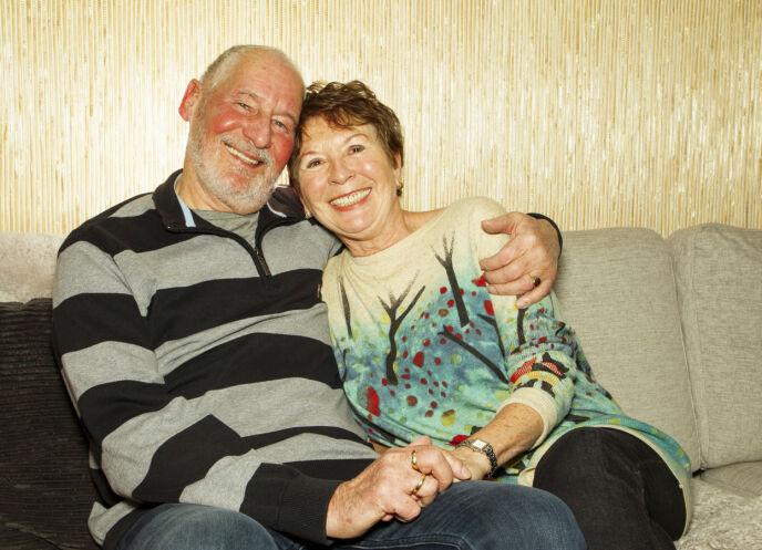 SER FREMOVER: Ian Chapman og kona Ranveig Paulsen er glade for at Ians brystkreft er historie, og for at han i dag er frisk. Nå gleder de seg til å tilbringe noen måneder i Spania. Foto: Svend Aage Madsen / Se og Hør