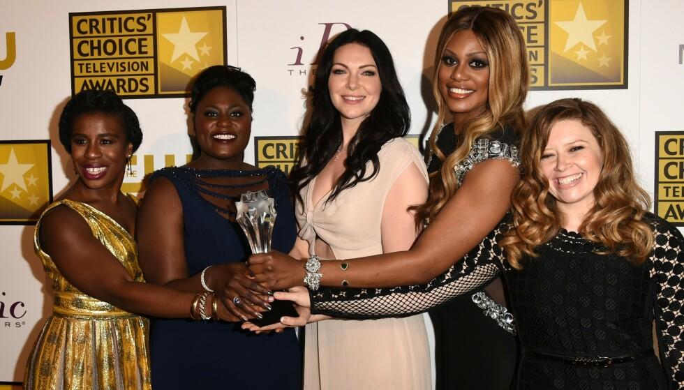 UTRYGG: Skuespiller Laverne Cox (nummer to fra høyre) mener verden er en utrygg plass for transseksuelle. Foto: Jason Merritt/Getty Images/NTB