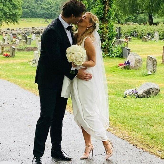 BLE FORELDRE: Mari og Andreas giftet seg i sommer. Nå har de fått sitt første felles barn. Foto: Privat