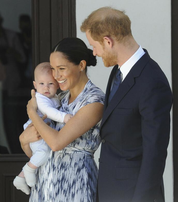 STOLT PAPPA: Prins Harry var i skyene da han kunngjorde at sønnen Archie hadde kommet til verden. Foto: Henk Kruger / AP / NTB