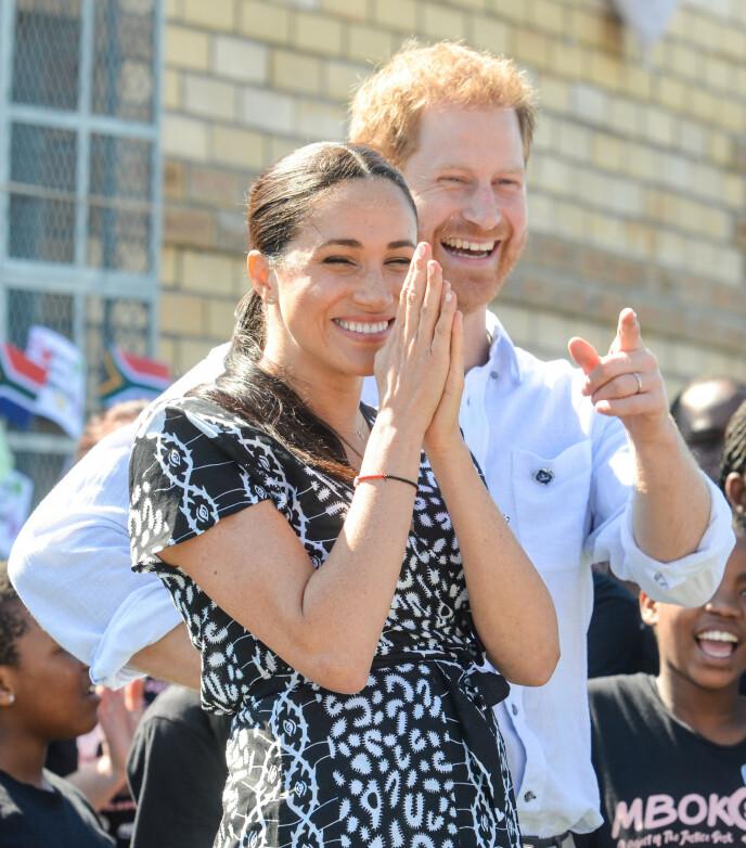 FORELDRE: Både prins Harry og hertuginne Meghan er svært opptatt av miljøet på jorda og hvordan det vil påvirke sønnens oppvekst. Foto: Splash News