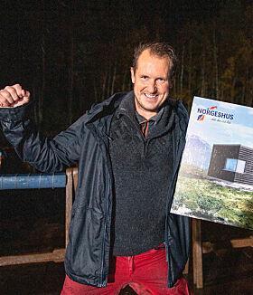 VINNER: Per Gunvald slapp jubelen løs etter å ha vunnet både hytte og bil. Foto: Alex Iversen / TV 2