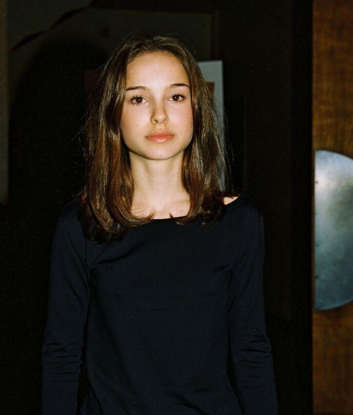UNG: Natalie Portman var bare 13 år da hun spilte i sin første film. Her avbildet i 1996, to år etter at hun først dukket opp på filmlerretet. Foto: Bei/REX/NTB