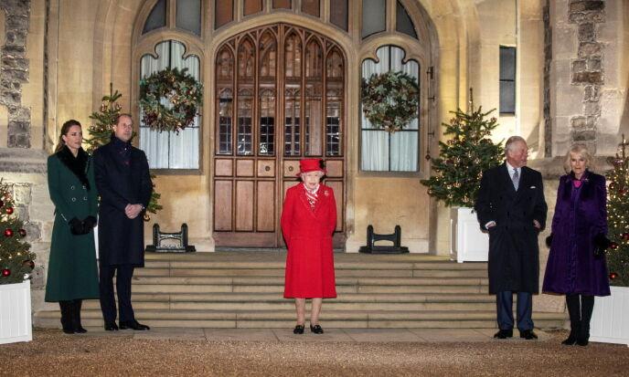 AVSTAND: For første gang på flere måneder viste endelig deler av den britiske kongefamilien seg sammen igjen. Foto: Richard Pohle / REUTERS / NTB