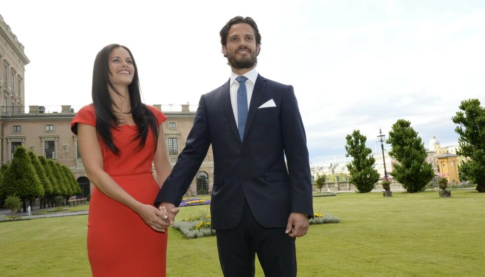 DEN GANG DA: Prins Carl Philip fridde til sin utkårede i 2014, og året etter sto bryllupet. Reisen fra realitydeltaker til prinsesse har ikke bare vært enkel for Sofia. Foto: Jonas Ekstrmer / TT / NTB