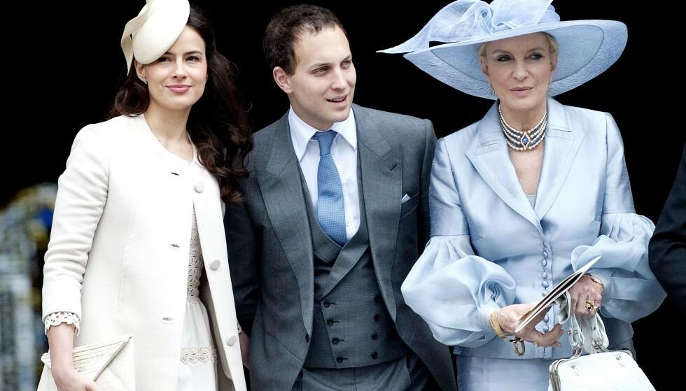 FAMILIE: Winkleman fotografert sammen med ektemannen Lord Frederick Windsor og svigermoren prinsesse Marie Christine av Kent i 2012. Foto: Eddie Mulholland/REX/NTB