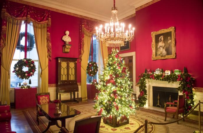 STASELIG: Melania Trump har - kanskje litt motvilling - pyntet Det hvite hus for fjerde og muligens siste gang. Neste år tar Jill Biden over pynteansvaret. Foto: Drew Angerer / AFP / NTB