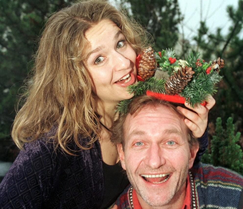 POPULÆR DUO: Elisabeth Lindland og Nissa Nyberget var programledere for NRKs «Julemorgen» fra 1998 til 2004. Foto: Erik Johansen / NTB