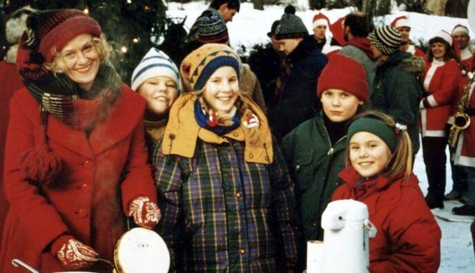 «AMALIES JUL»: Veronica Falsen Hiis (t.h.) spilte rollen som Kjersti i NRKs julekalender «Amalies jul» i 1995. Foto: Odd G. Iversen / NTB